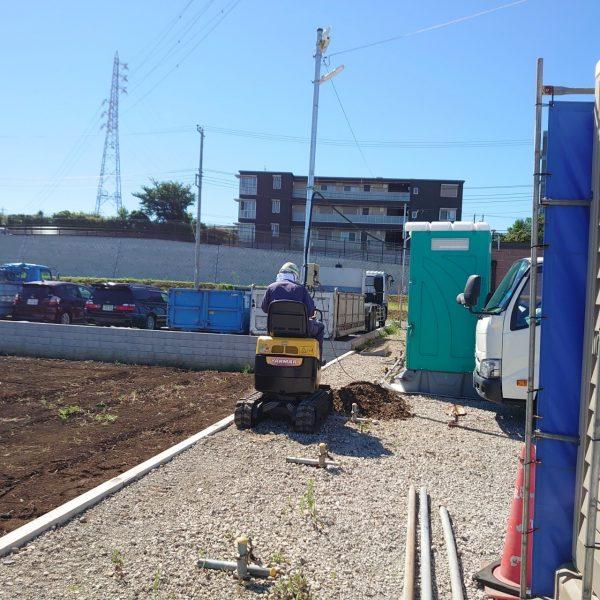 埋設配管掘削埋戻し作業です